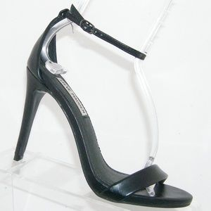 Steve Madden 'Stecy' black ankle strap heels 6M